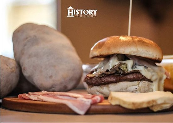 HISTORY Cafe Bistro: Hamburger di Chianina
