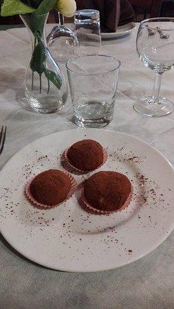 Vejano, Italie : tartufi con ricotta,nutella,arancia