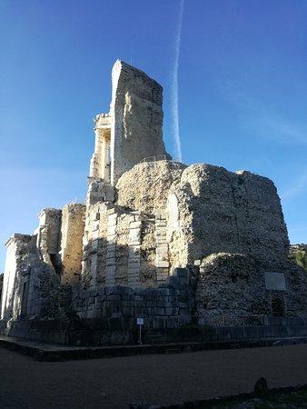 Trophee d'Auguste: monumento a Cesare AUGUSTO, conquistatore della Gallia