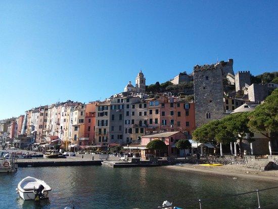 Porto Venere, Italie : Palazzata a  mare