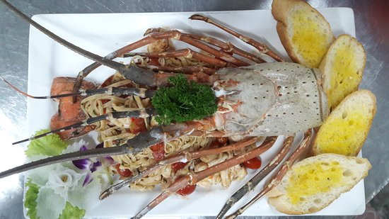 The Longtail Boat Restaurant: Linguine home made with Lobster!!