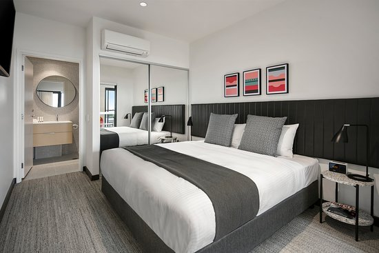 Quest Notting Hill: 2 Bedroom Apartment Bedroom