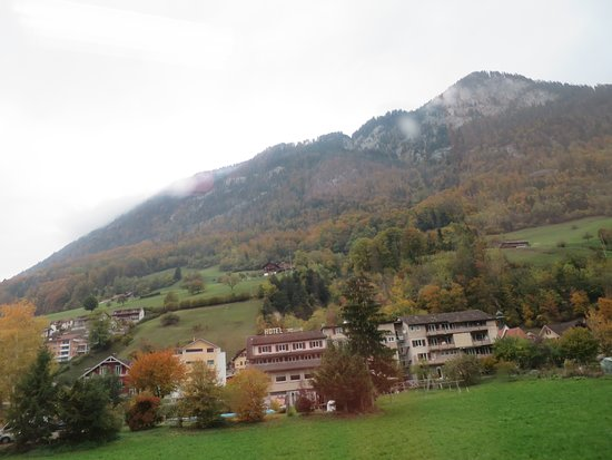 Alpnachstad, Swiss: ホテル遠景