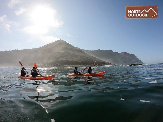 Ruta de Los Chinchorros rumbo a cuevas de Anzota. Tour en kayak
