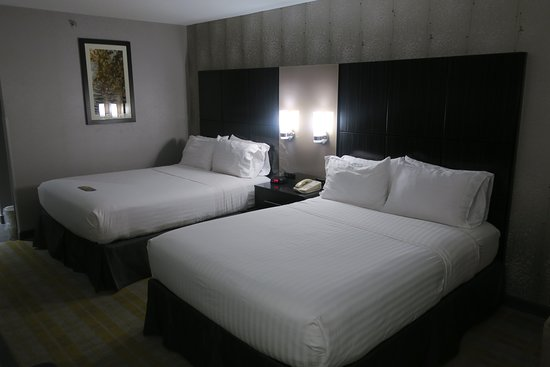 Holiday Inn Express Cooperstown: room