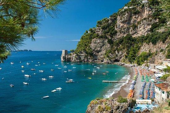 ランチを含むサレルノからの小グループアマルフィ海岸日帰り旅行