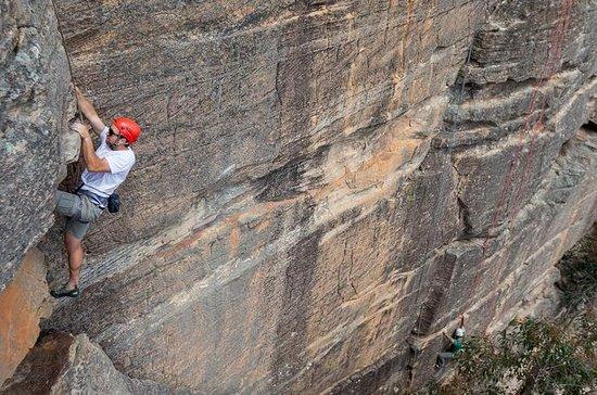 Avventura di arrampicata su roccia