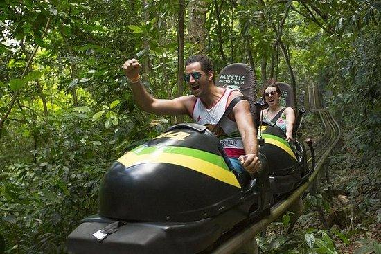 Jamaica Mystic Mountain Bobsled e Sky...