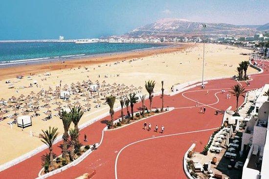 Desde el puerto de Agadir: Agadir...