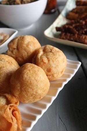 Fried Chicken Meatball ( bakwan goreng ayam)
