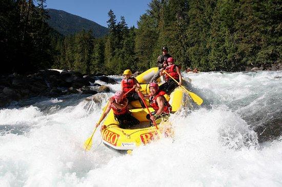 Rafting sur la rivière Nahatlatch - 24 rapides incroyables