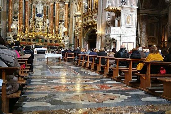 Kirke og sfogliatella i Napoli