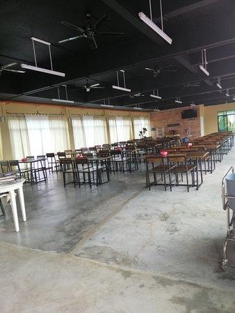 Kuala Sungai Baru, Malaysia: Spacious dining