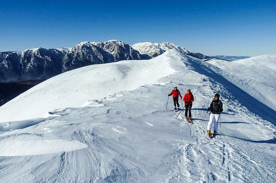 Backcountry ski tour alrededor de...