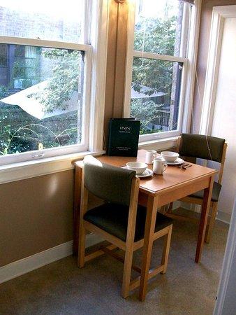 Inn at Queen Anne: Guest room