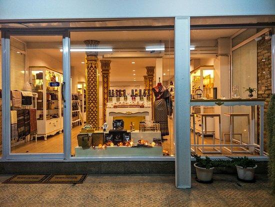 Thai Tint Shop