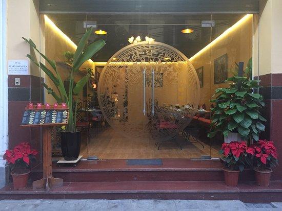 Yin & Yang Hanoi