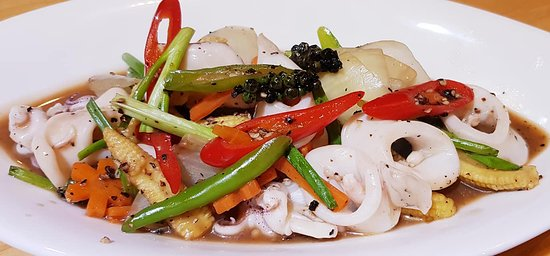 Stir fried Squid with black pepper sauce