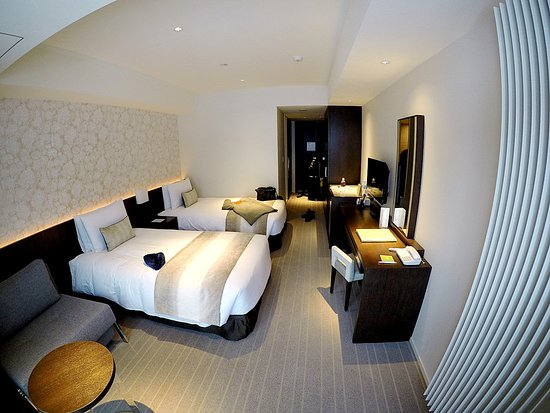 Cosy and clean room with friendly staff at reception