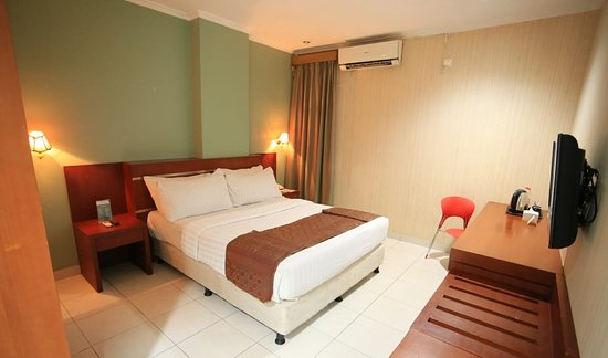 Azza Hotel Palembang By Horison: Superior or Deluxe Double Bed