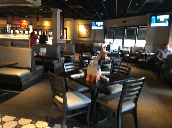 Ruby Tuesday - table seating