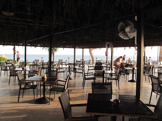 Jaz Fanara Resort: Tample Bar. Бар возле бассейна.