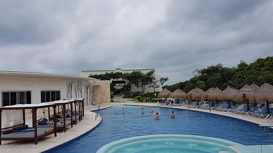 Grand Sirenis Riviera Maya Resort : Pool