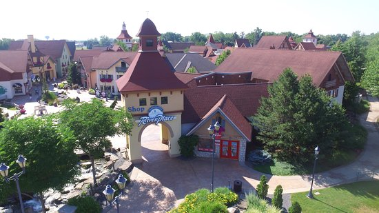 ‪Frankenmuth River Place Shops‬
