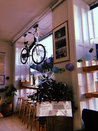 Blue Bike Cafe: Love the hanging blue bike in the window!