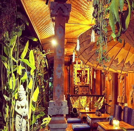 Our Balinese traditional courtyard garden, perfect for a romantic dining experience