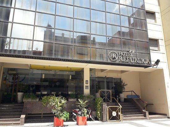 Frente del Hotel República