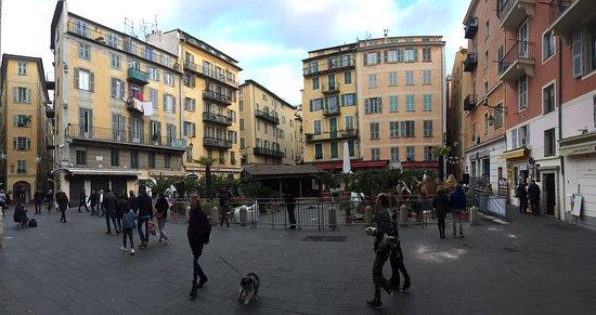 Nice, Vieux Cité, Place Rossetti