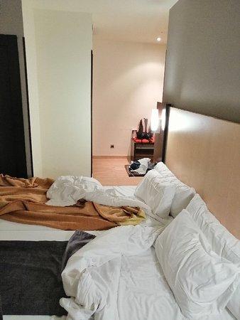 Hotel Ilunion Almirante Photo