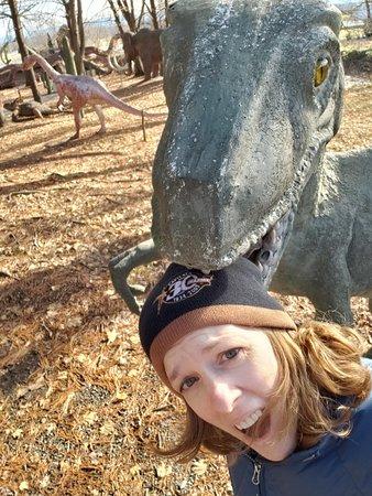 White Post, Вирджиния: Beware of hungry dinosaurs!