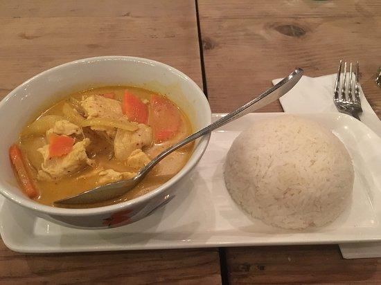 Senn Thai Comfort Food: Gang Kahri Gai (yellow curry with chicken / potato, carrot, onion, turmeric coconut milk broth)