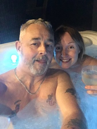 Clyst St Mary, UK: Outside Jacuzzi with powerful jets & colour changing lights