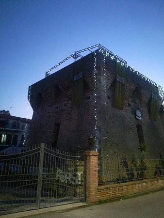 Torre della Vibrata صورة فوتوغرافية