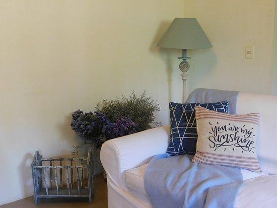Punta del Este, Uruguay: Nuestro Living en el primer piso es un espacio dedicado al descanso para que puedas disfrutar de tu estadía en todos nuestros espacios diseñados para vos.
