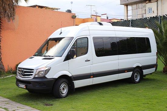 Camioneta Sprinter. Comodidad y seguridad en tus viajes.
