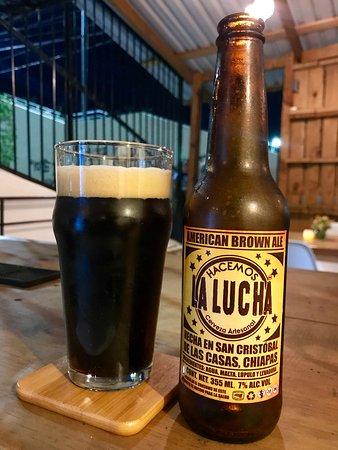 Cerveza Hacemos La Lucha, nuestra cerveza de la casa.