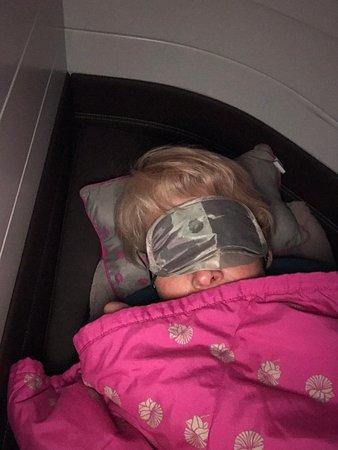 Hawaiian Airlines: Shhh! Passengers are sleeping