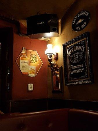17's BAR: Great bar