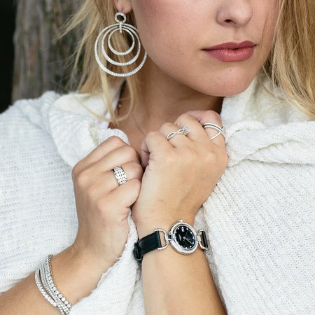 Brentwood, TN: Sophisticated and elevated jewelry and watch brands.