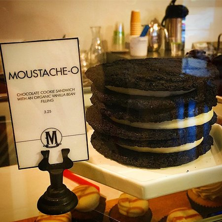 Healdsburg Small-Group Food and Wine Walking Tour: Moustache Baked Goods