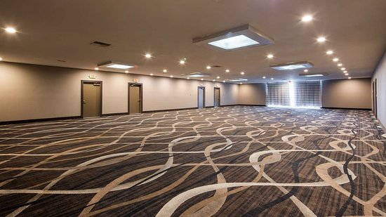 Surestay Plus Hotel By Best Western Point Richmond 89 115 - Labyrinth-security-door-chain