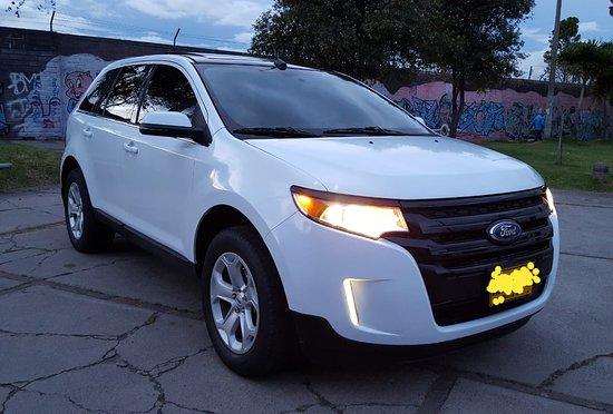 Chauffeur Bogota: Transport in Luxury Van