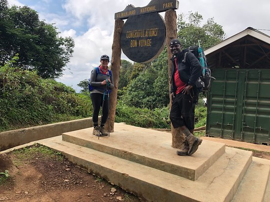 Foot On Kili Tanzania Adventures照片