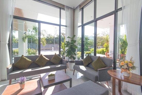 Donchan Grand Hotel: lobby area