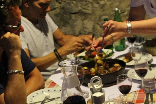 Hvar Wine Tour and Dalmatian Dinner