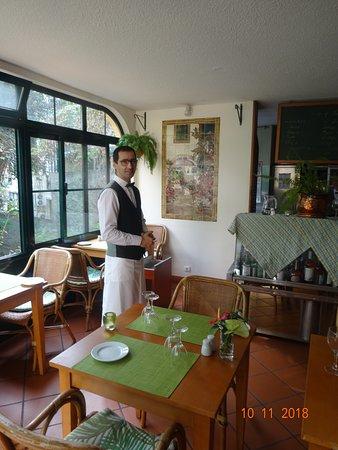 Безукоризненная чистота и в залах и в помыслах официантов